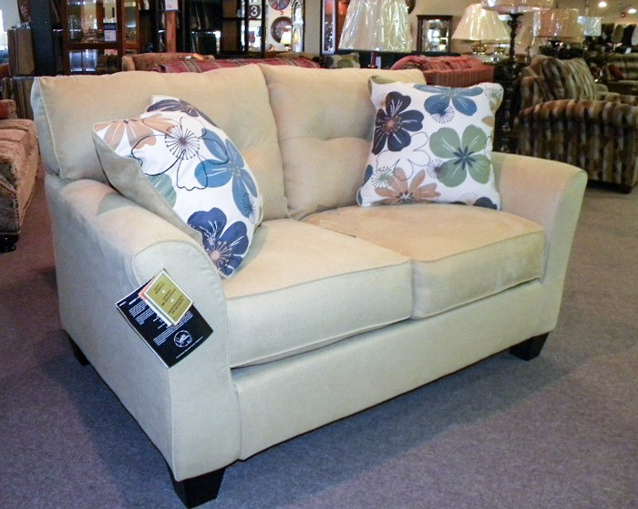 furniture 6066 - Sofas & Recliners